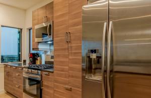 2811 Crest kitchen 2