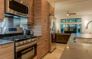 2811 Crest kitchen 3