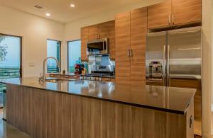 2811 Crest kitchen